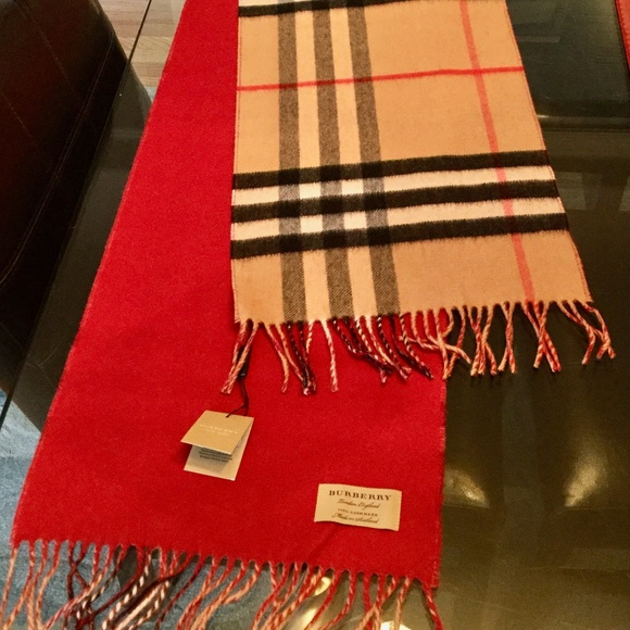 a8f1aa7259e NWT Burberry Reversible Check Cashmere Scarf